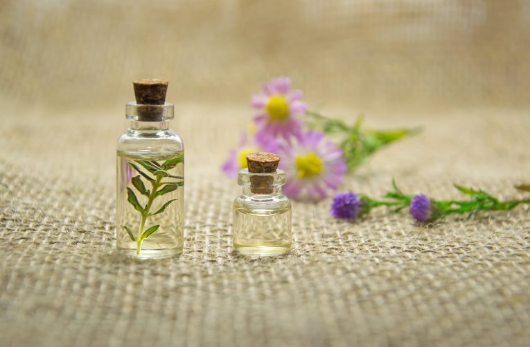 What are Essential Oils and its Benefits?